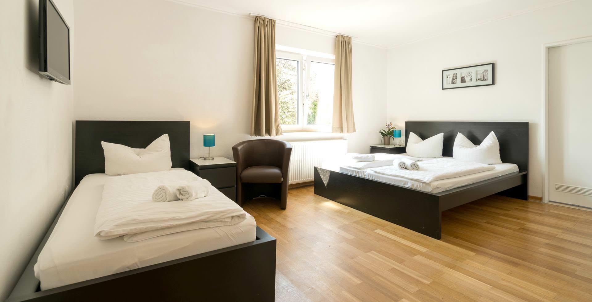 g nstig schlafen in m nchen hotel pension in m nchen. Black Bedroom Furniture Sets. Home Design Ideas